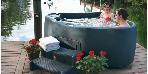 AquaRest Ar-300 2 person Spa – couple relaxing in hot tub